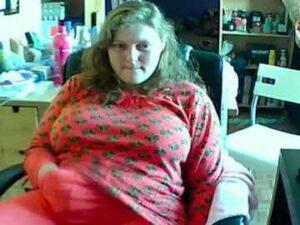 BBW Clothed Masturbation On Cam